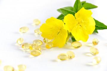 Bổ sung dầu hoa anh thảo cho phụ nữ tiền mãn kinh
